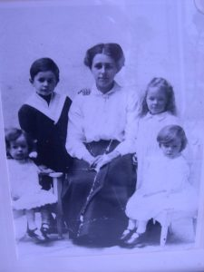 Winifred Morris of old stores with 4 of her eleven children